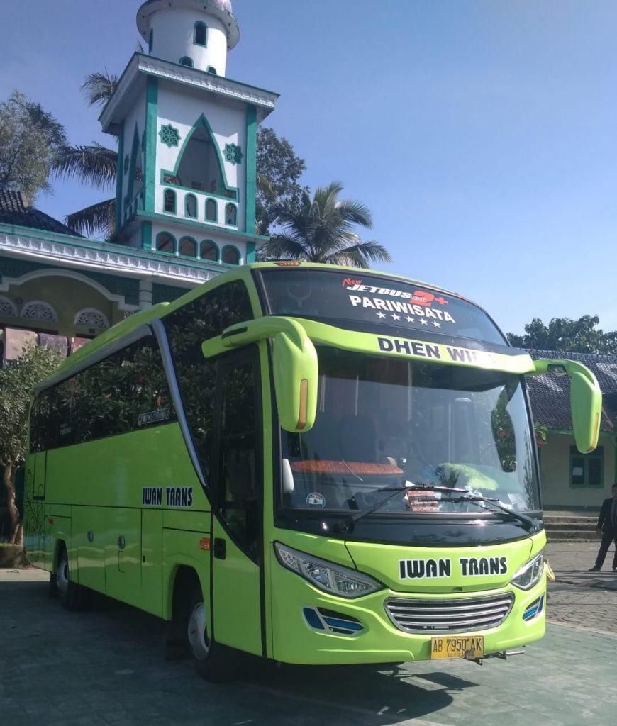 Sewa-Bus-Medium-Jogja-Sewa-BUs-Wisata-Murah-10