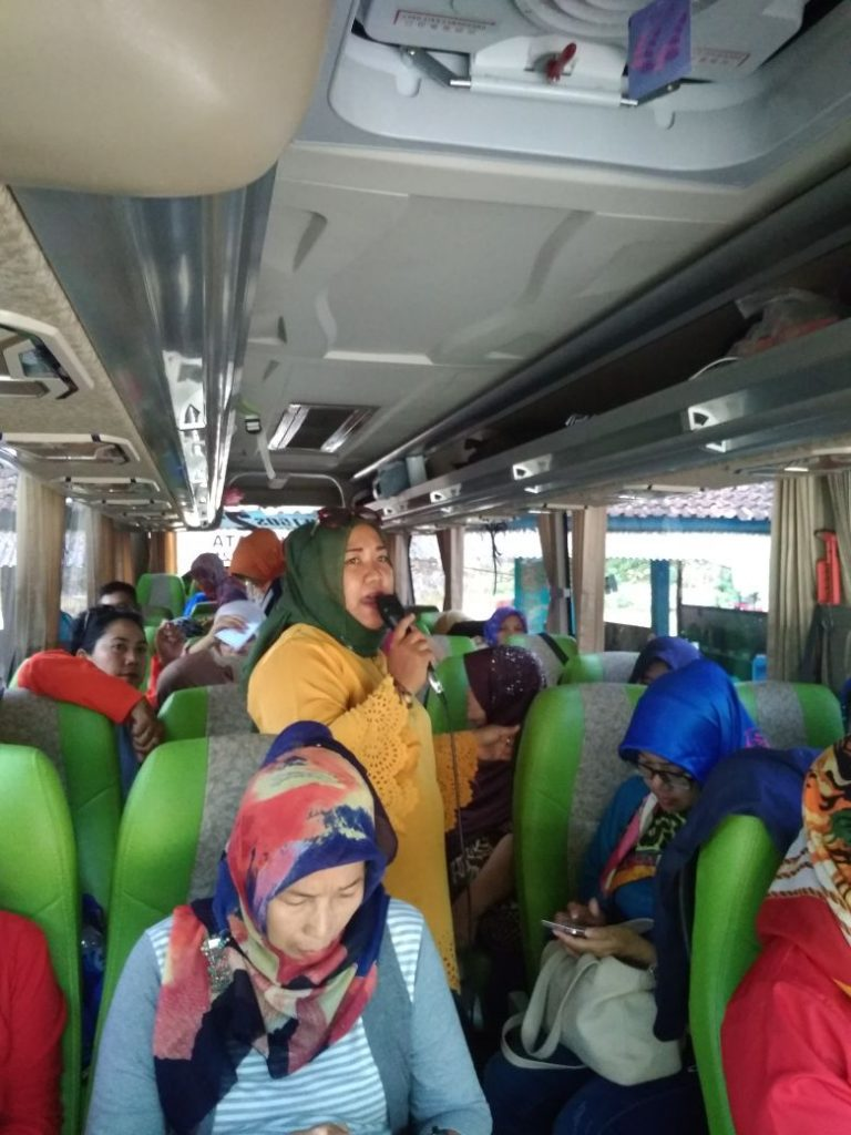 Sewa-Bus-Medium-Jogja-Sewa-BUs-Wisata-Murah-5